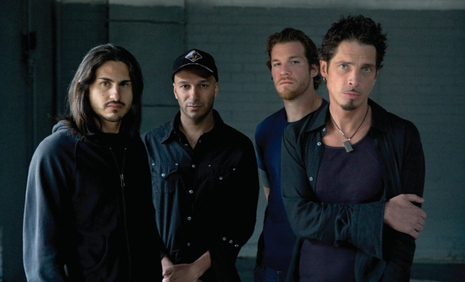 audioslave_umg_ethan_a_russell_2005