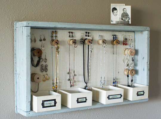wooden-tray-jewellery-holder