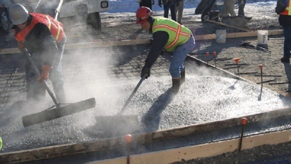 pouring-concrete-in-winter-cold-weather-concrete-pouring-hot-water-concrete-mix-gtalandscaping_com